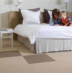 Tout conna tre sur les dalles de moquette de linoleum et for Dalle de sol pour chambre