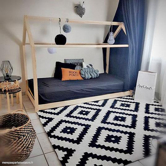 tapis graphique noir et blanc cass 160 x 220 cm. Black Bedroom Furniture Sets. Home Design Ideas