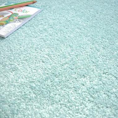 tapis sur mesure man ge bleu pastel. Black Bedroom Furniture Sets. Home Design Ideas