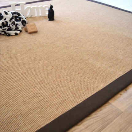 Tapis Mahé naturel ganse coton marron