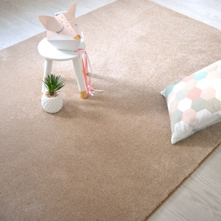 Tapis Velours Hygge beige galon tabac